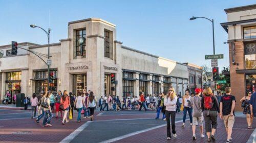 People walking through Old Town Pasadena shopping and dinning district.